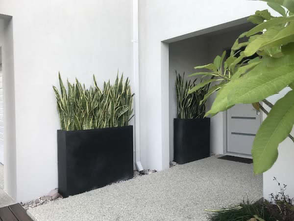 Black outdoor planters